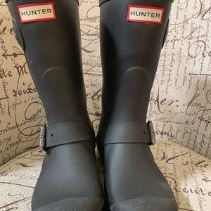 Hunter short biker rain boots